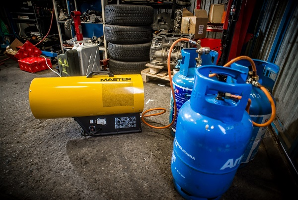 Nagrzewnica Master BLP 27M - podłączenie butli z gazem
